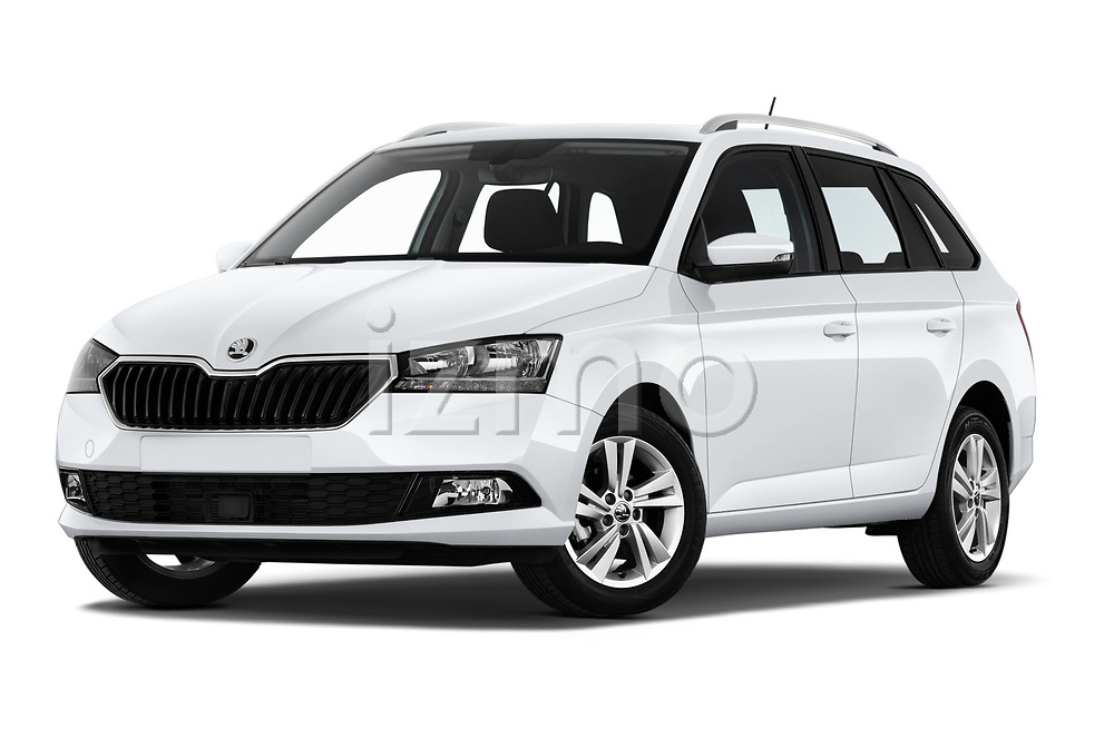 Stock pictures of low aggressive front three quarter view of 2019 Skoda Fabia-Combi Ambition 5 Door Wagon Low Aggressive
