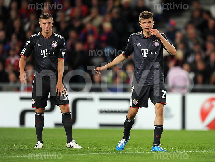 FUSSBALL   CHAMPIONS LEAGUE   SAISON 2010/2011   GRUPPE  E  FC Basel - FC Bayern  Muenchen     28.09.2010 Toni Kroos, Thomas Mueller (v. li., FC Bayern Muenchen)
