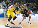 07.01.2018, EWE Arena, Oldenburg, GER, BBL, Eisb&auml;ren EWE Baskets Oldenburg vs WALTER Tigers T&uuml;bingen, im Bild<br /> <br /> Barry STEWART (T&uuml;bingen #24 )<br /> Isaiah PHILMORE (EWE Baskets Oldenburg #31)<br /> Foto &copy; nordphoto / Rojahn