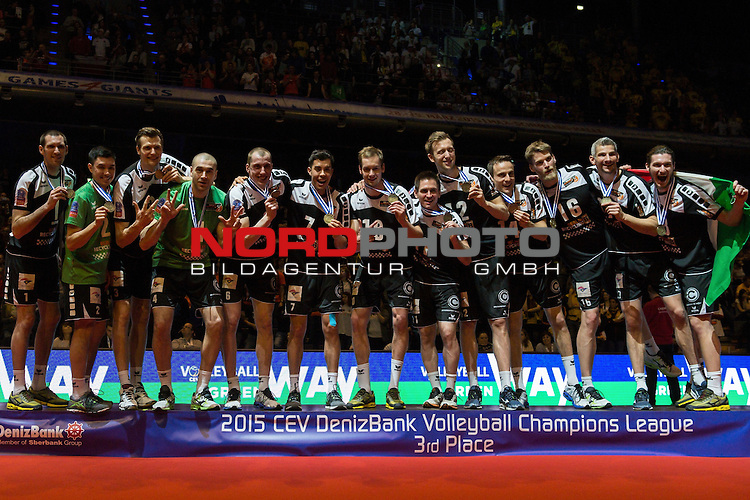 29.03.2015, Max Schmeling Halle, Berlin<br /> Volleyball, 2015 CEV Volleyball Champions League, Final Four, Siegerehrung<br /> <br /> 3. Platz / Bronze / Bronzemedaille: BR Volleys / Berlin Recycling Volleys (GER)<br /> <br />   Foto &copy; nordphoto / Kurth