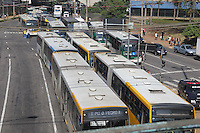 SAO PAULO, SP, 20/05/2014, GREVE ONIBUS SAO PAULO. Motorista e cobradores cruzam os bracos na ruas centrais de Sao Paulo, no final da manha dessa terca-feira (20). Na foto a Av Mercurio totalmente tomada pelos onibus. LUIZ GUARNIERI/BRAZIL PHOTO PRESS.