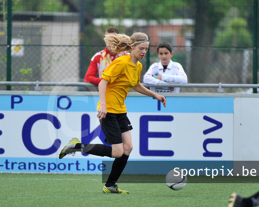 Lierse U16 - Standard de Liege U16 : Kelly Philippaerts.foto DAVID CATRY / Nikonpro.be