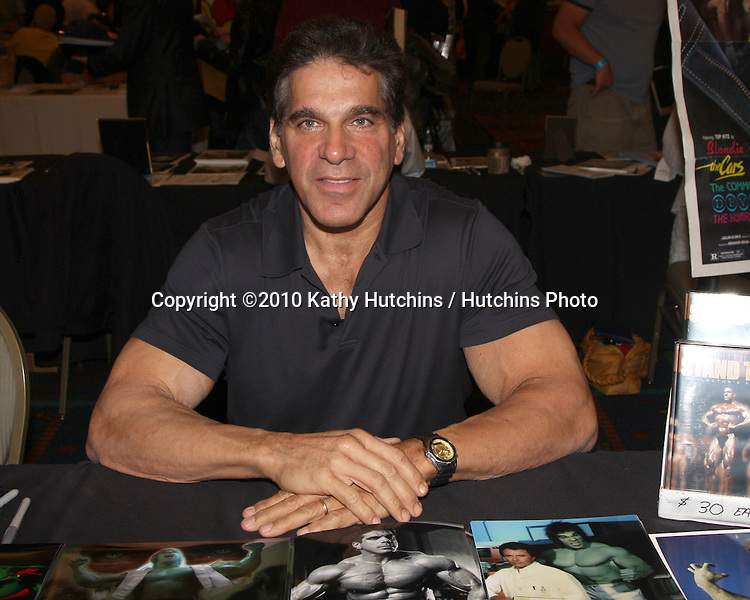 Lou Ferrigno.at the Hollywood Collector's Show Spring 2010.Burbank Mariott Convention Center.Burbank, CA.April 24, 2010.©2010 Kathy Hutchins / Hutchins Photo...