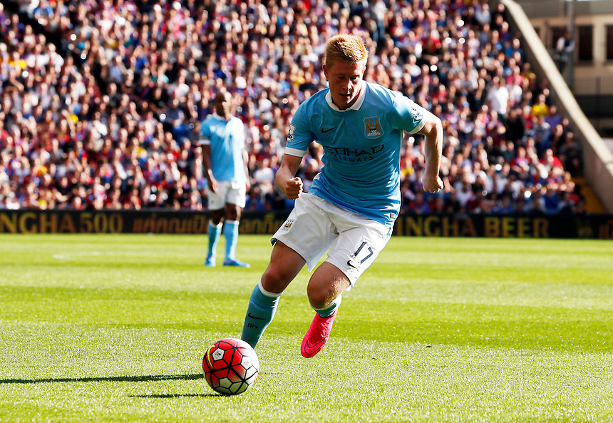 Manchester City's Kevin de Bruyne comes on for his debut<br /> <br /> Photographer Kieran Galvin/CameraSport<br /> <br /> Football - Barclays Premiership - Crystal Palace v Manchester City - Saturday 12th October  2015 - Selhurst Park - London<br /> <br /> &copy; CameraSport - 43 Linden Ave. Countesthorpe. Leicester. England. LE8 5PG - Tel: +44 (0) 116 277 4147 - admin@camerasport.com - www.camerasport.com