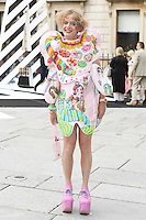 Grayson Perry (L) and Philippa Perry arrive for the VIP preview of the Royal Academy of Arts Summer Exhibition 2016