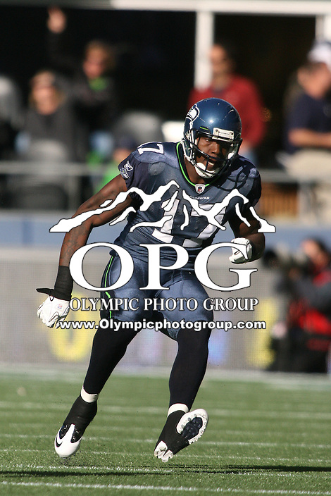 November 07, 2010:  Seattle Seahawks wide receiver #17 Mike Williams breaks down field against the New York Giants at Quest Field in Seattle, WA.  New York won 41-7 over Seattle.