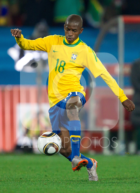 Ramires of Brazil during the 2010 FIFA World Cup South Africa. EXPA Pictures © 2010, PhotoCredit: EXPA/ Sportida/ Vid Ponikvar +++ Slovenia OUT +++