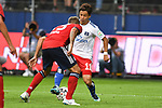 15.08.2018,  GER; FBL, Testspiel, Hamburger SV vs FC Bayern Muenchen ,DFL REGULATIONS PROHIBIT ANY USE OF PHOTOGRAPHS AS IMAGE SEQUENCES AND/OR QUASI-VIDEO, im Bild Leon Goretzka (Bayern #18) versucht sich gegen Tatsuya Ito (Hamburg #11) durchzusetzen Foto © nordphoto / Witke *** Local Caption ***