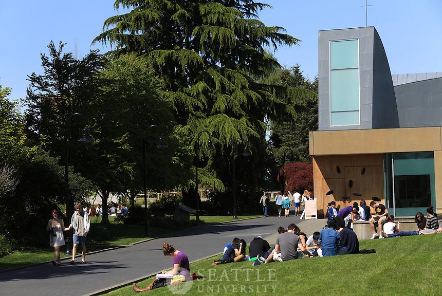04242013- Spring on campus