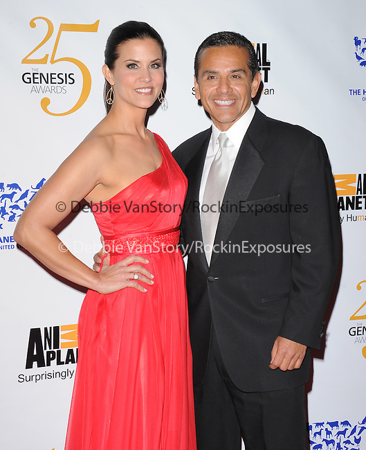 Lu Parker and Mayor Antonio Villaraigosa at The Humane Society of The United States celebration of The 25th Anniversary Genesis Awards in Beverly Hills, California on March 19,2011                                                                               © 2010 Hollywood Press Agency