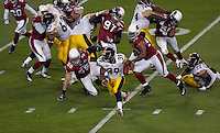 Hillsborough,Tampa, Fl. 2/1/2009 -SUPER BOWL - Pittsburh Steeler Willie Parker (#39) runs the ball against the Arizona Cardinals in the first quarter of Super Bowl XLIII at Raymond James Stadium in Tampa, Florida on February 1, 2009.  PHOTOS  14 OF IMAGES STAFF MICHAEL SPOONEYBARGER..
