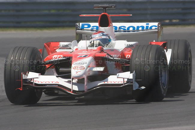 MONTREAL - JUNE 24: Jarno Trulli of Panasonic Toyota Racing in the Senna complex of turns 1 and 2 during Saturday qualifying for the Canadian F1 Grand Prix at the Circuit Gilles-Villeneuve June 24, 2006 in Montreal, Canada.
