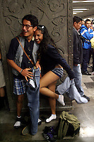 """México, D.F.- 12ENE2014 – <br /> La organización FlashMob llevo a cabo por cuarto año consecutivo el evento """"'Un viaje sin pantalones en el metro"""", en el que participaron más de mil personas.<br /> Photo: Alexa Sendel/DAMMPHOTO.COM"""
