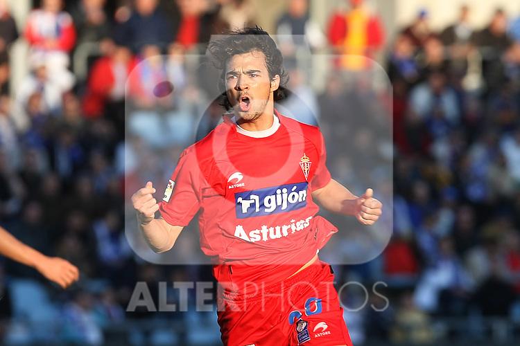 Sporting de Gijon's Miguel Angel De Las Cuevas celebrates goal during La Liga match. May 4, 2010. (ALTERPHOTOS/Acero)
