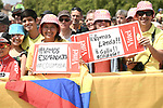 Colombian fans at sign on before the start of Stage 10 of the 2018 Tour de France running 158.5km from Annecy to Le Grand-Bornand, France. 17th July 2018. <br /> Picture: ASO/Pauline Ballet | Cyclefile<br /> All photos usage must carry mandatory copyright credit (&copy; Cyclefile | ASO/Pauline Ballet)