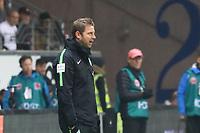 Trainer Florian Kohfeldt (SV Werder Bremen) - 03.11.2017: Eintracht Frankfurt vs. SV Werder Bremen, Commerzbank Arena