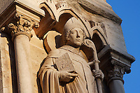 Saint Denis, right south buttress, 19th century during the restoration by Viollet-le-Duc, West façade, Notre Dame de Paris, 1163 ? 1345, initiated by the bishop Maurice de Sully, Ile de la Cité, Paris, France. Picture by Manuel Cohen