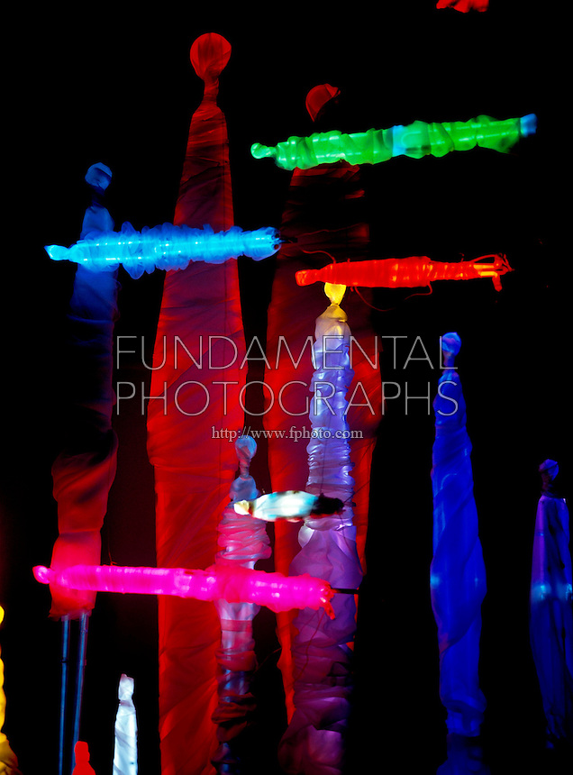 NOBLE GASES: SCULPTURE WITH CLOTH COVERS<br />