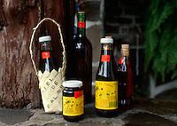 Spanien, Kanarische Inseln, Gomera, Verkauf von Palmhonig