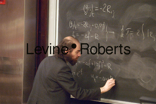 Grisha Pearlman (Gregory Perelman) solver of Poincare Equation gives a lecture on his solution at NYU's  Weaver Hall  on April 25, 2003. (© Frances Roberts)