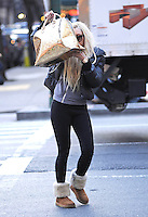 Amanda Bynes wears a wig - New York
