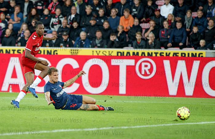 08.08.2019 FC Midtjylland v Rangers: Joe Aribo beats Alexander Scholz for goal no 2