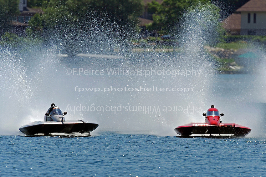 13-14 June, 2009, APBA Inboards, Walled Lake, Novi, MI. USA.Christina Wilson, S-20, 2.5 Litre Stock hydroplane.©F. Peirce Williams 2009 USA.F.Peirce Williams.photography.ref: RAW (.NEF) File Available