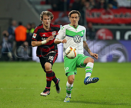 01.04.2016. Leverkusen, Germay. Bundesliga football. Bayer Leverkusen versus VFL Wolfsburg in the BayArena in Leverkusen.  Tin Jedvaj (Bayer 04 Leverkusen), Andre Schuerrle (VfL Wolfsburg)