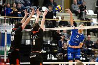 GRONINGEN - Volleybal, Lycurgus - Taurus, Alfa College, Eredivisie, seizoen 2017-2018, 04-11-2017,  smash Lycurgus speler Stijn van Schie