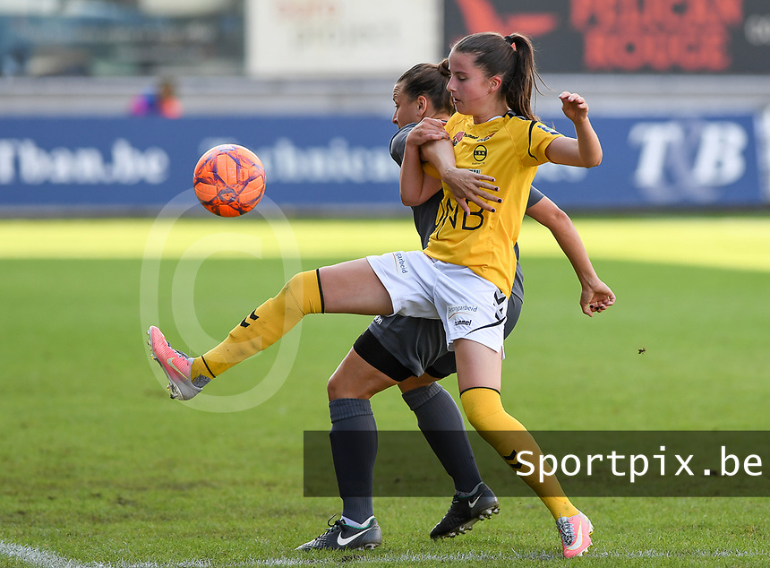 20190813 - DENDERLEEUW, BELGIUM : PAOK's Chara Dimitriou pictured in a fight for the ball with LSK's Emilia Ruud (right) during the female soccer game between the Greek PAOK Thessaloniki Ladies FC and the Norwegian LSK Kvinner Fotballklubb Ladies , the third and final game for both teams in the Uefa Womens Champions League Qualifying round in group 8 , Tuesday 13 th August 2019 at the Van Roy Stadium in Denderleeuw  , Belgium  .  PHOTO SPORTPIX.BE for NTB | DAVID CATRY