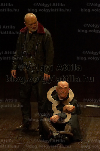 Peter Blasko (L) plays the role of King Lear with Gyula Bodrogi (R) in the role of Kent in William Shakespeare's King Lear premiere in Hungarian National Theatre directed by Laszlo Bocsardi. Budapest, Hungary. Wednesday 07 February 2007. ATTILA VOLGYI