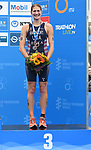 06.07.2019,  Innenstadt, Hamburg, GER, Hamburg Wasser World Triathlon, Elite Frauen, im Bild die Drittplatzierte Summer Rappaport (USA) bei der Siegerehrung Foto © nordphoto / Witke *** Local Caption ***