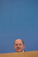 Bundesminister der Finanzen Olaf Scholz (SPD) stellte am Mittwoch den 20. Maerz 2019 in Berlin den Haushalt 2019, sowie die Eckwerte 2020 und Finanzplan bis 2023 vor.<br /> 20.3.2019, Berlin<br /> Copyright: Christian-Ditsch.de<br /> [Inhaltsveraendernde Manipulation des Fotos nur nach ausdruecklicher Genehmigung des Fotografen. Vereinbarungen ueber Abtretung von Persoenlichkeitsrechten/Model Release der abgebildeten Person/Personen liegen nicht vor. NO MODEL RELEASE! Nur fuer Redaktionelle Zwecke. Don't publish without copyright Christian-Ditsch.de, Veroeffentlichung nur mit Fotografennennung, sowie gegen Honorar, MwSt. und Beleg. Konto: I N G - D i B a, IBAN DE58500105175400192269, BIC INGDDEFFXXX, Kontakt: post@christian-ditsch.de<br /> Bei der Bearbeitung der Dateiinformationen darf die Urheberkennzeichnung in den EXIF- und  IPTC-Daten nicht entfernt werden, diese sind in digitalen Medien nach §95c UrhG rechtlich geschuetzt. Der Urhebervermerk wird gemaess §13 UrhG verlangt.]