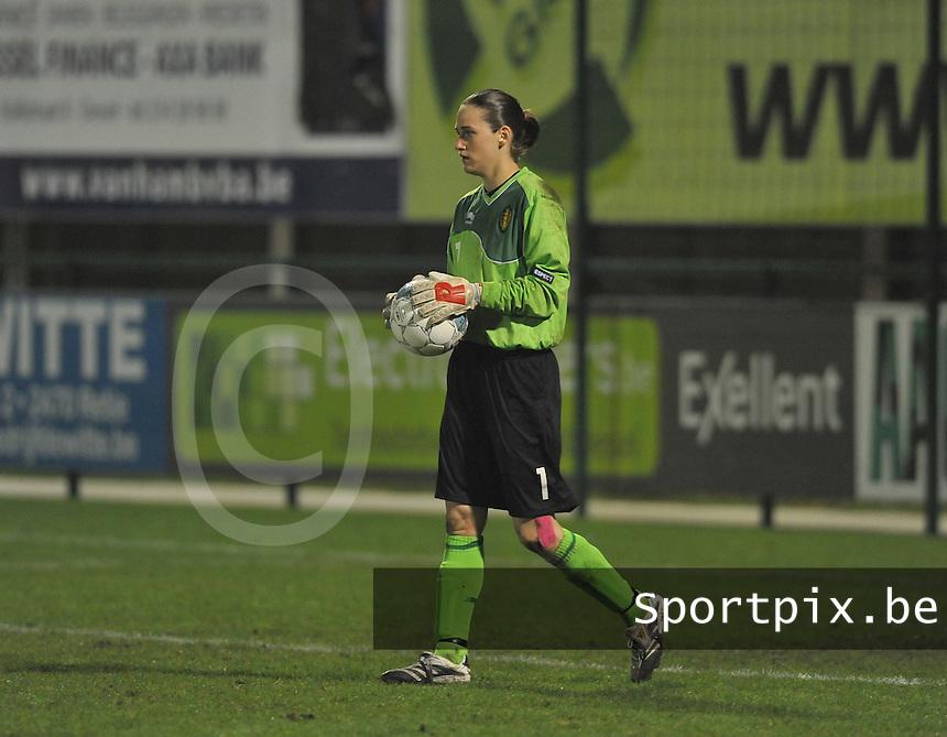Qualification Women's Euro 2013 - Belgium - Iceland ; Belgie - Ijsland ; Armand Melis Stadion Dessel :.Sabrina Broos.foto DAVID CATRY / Vrouwenteam.be