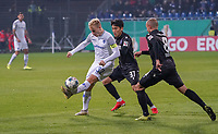 Fabian Holland (SV Darmstadt 98) gegen Kyoung-Rok Choi (Karlsruher SC), Manuel Stiefler (Karlsruher SC) - 29.10.2019: SV Darmstadt 98 vs. Karlsruher SC, Stadion am Boellenfalltor, 2. Runde DFB-Pokal<br /> DISCLAIMER: <br /> DFL regulations prohibit any use of photographs as image sequences and/or quasi-video.