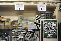 - Milano, PCOfficina, Associazione di Promozione Sociale, si occupa di abbassamento del &ldquo;digital divide&ldquo;, di riduzione dei rifiuti tecnologici informatici attraverso il riciclo e riutilizzo di computer obsoleti e di diffusione del software libero<br /> <br /> - Milan, PCOfficina, Association of Social Promotion, <br /> deal with lowering the &quot;digital divide&quot;, reduction of technological waste through recycling and reuse of obsolete computers and diffusion of free software