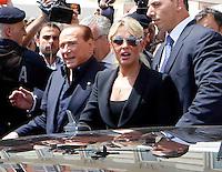 Silvio Berlusconi a Napoli per sostenere ila campagma elettorale di Gianni Lettieri , candidato a Sindaco per il Centrodestra <br /> nella foto silvio Berlusconi e Francesca Pascale