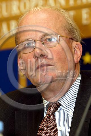 STRASBOURG - FRANCE -21 SEPTEMBER 2002 -- MEP Jan MULDER (VVD/Netherlands) of the EDLR group, the general rapoteur on the 2004 budget. -- PHOTO: JUHA ROININEN / EUP-IMAGES