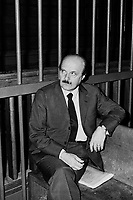 the banker Roberto Calvi at lawsuit for the bankruptcy of Ambrosian bank (1981), will come subsequently mysteriously found hanged under the bridge of the Black Friars in London the 18 june 1982 ....- il banchiere Roberto Calvi al processo per il fallimento del banco Ambrosiano (1981), verrà successivamente trovato misteriosamente impiccato sotto il ponte dei Frati Neri a Londra il 18 giugno 1982