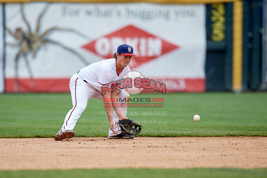 Harrisburg Senators second baseman Dan Gamache (21) fields a ground ball during the first game of a doubleheader against the New Hampshire Fisher Cats on May 13, 2018 at FNB Field in Harrisburg, Pennsylvania.  New Hampshire defeated Harrisburg 6-1.  (Mike Janes/Four Seam Images)