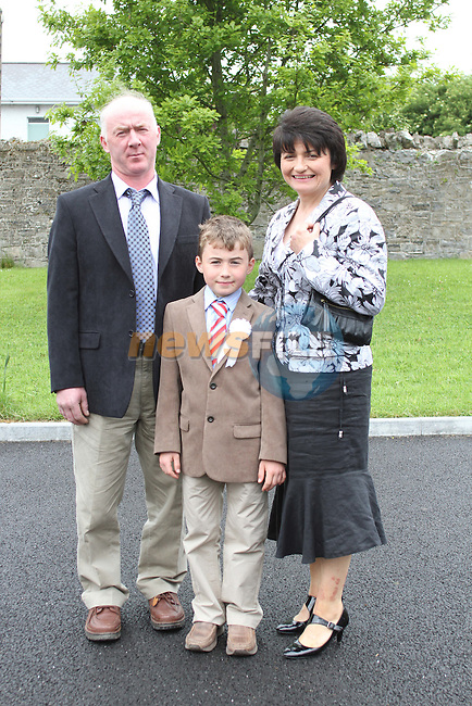 Thomas, Frank and Theresa Dunne at Slane NS Communion...(Photo credit should read Jenny Matthews www.newsfile.ie)....This Picture has been sent you under the conditions enclosed by:.Newsfile Ltd..The Studio,.Millmount Abbey,.Drogheda,.Co Meath..Ireland..Tel: +353(0)41-9871240.Fax: +353(0)41-9871260.GSM: +353(0)86-2500958.email: pictures@newsfile.ie.www.newsfile.ie.