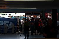 BUENOS AIRES, ARGENTINA, 22 DE FEVEREIRO 2012 - ACIDENTE TREM BUENOS AIRES - Bombeiros socorrem vítima do acidente de trem ocorrido na movimentada estação ferroviária Once, em Buenos Aires, na Argentina, nesta quarta-feira, 22. O acidente deixou pelo menos 49 mortos e 600 feridos.  - (FOTO: PATRICIO MURPHY - BRAZIL PHOTO PRESS).