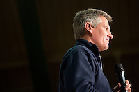 Senator Scott Brown (R-MA) speaks at a rally at the American Civic Center in Wakefield, Massachusetts, USA, on Thurs., Nov. 2, 2012. Senator Scott Brown is seeking re-election to the Senate.  His opponent is Elizabeth Warren, a democrat.