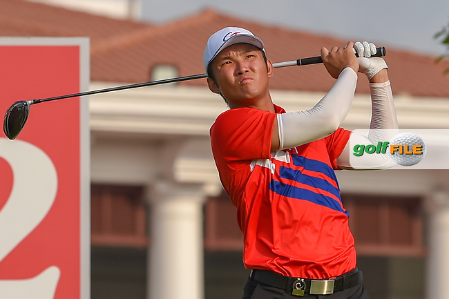 Yung-Hua LIU (TPE) watches his tee shot on 12 during Rd 2 of the Asia-Pacific Amateur Championship, Sentosa Golf Club, Singapore. 10/5/2018.<br /> Picture: Golffile | Ken Murray<br /> <br /> <br /> All photo usage must carry mandatory copyright credit (© Golffile | Ken Murray)