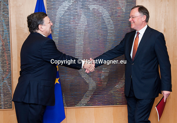 Brussels-Belgium - February 11, 2014 -- José (Jose) Manuel DURAO BARROSO (le), President of the European Commission, receives Stephan WEIL (ri), Minister-President of Lower Saxony and acting President of the Bundesrat (second German Chamber) -- Photo: © HorstWagner.eu