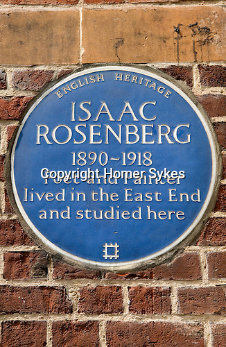 Isaac Rosenberg blue plaque on the exterior wall of the Whitechapel Art Gallery. Whitechapel High Street London E1 UK.
