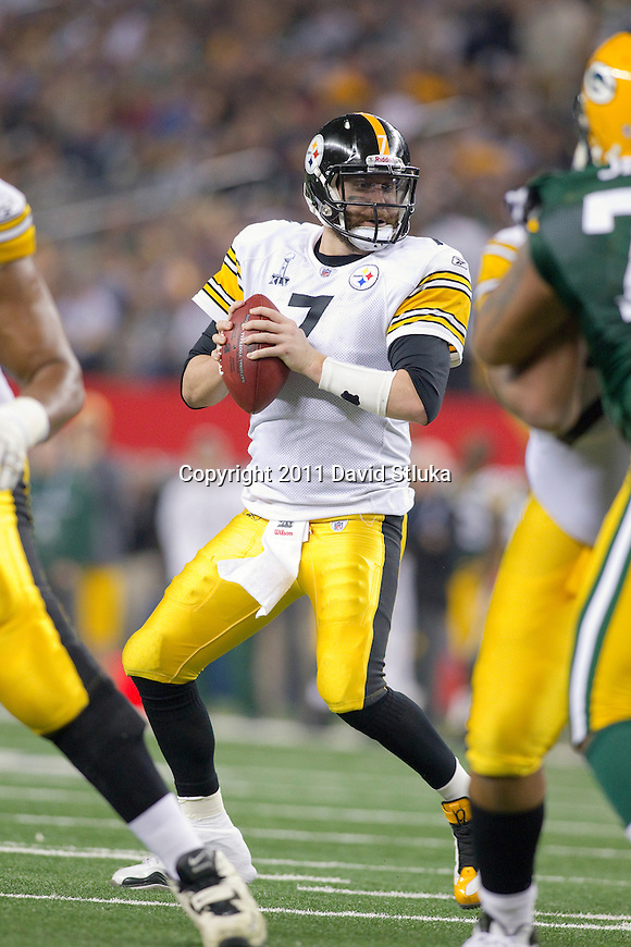 Pittsburgh Steelers quarterback Ben Roethlisberger (7) drops back to pass during Super Bowl XLV against the Green Bay Packers on Sunday, February 6, 2011, in Arlingto, Texaas. The Packers won 31-25. (AP Photo/David Stluka)