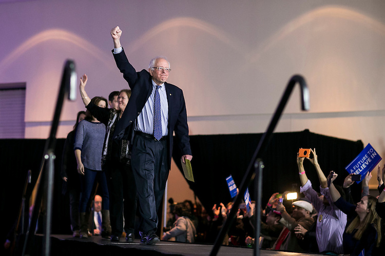 UNITED STATES - FEB 1. - Democratic presidential candidate Sen. Bernie Sanders, I-Vt., waves as he arrives for his caucus night rally at the Holiday Inn Des Moines Airport and Conference Center, on Monday, Feb. 1, 2016 in Des Moines, Iowa. (Photo By Al Drago/CQ Roll Call)