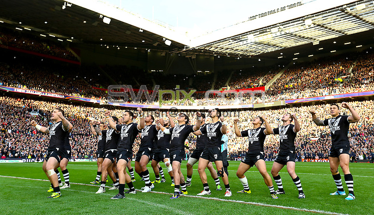 Picture by Alex Whitehead/SWpix.com - 30/11/2013 - Rugby League - Rugby League World Cup Final - New Zealand v Australia - Old Trafford, Manchester, England - New Zealand perform the Haka prior to kick-off.
