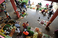 Sri Lanka Trincomalee, market hall at bus stand / Markthalle am Busbahnhof